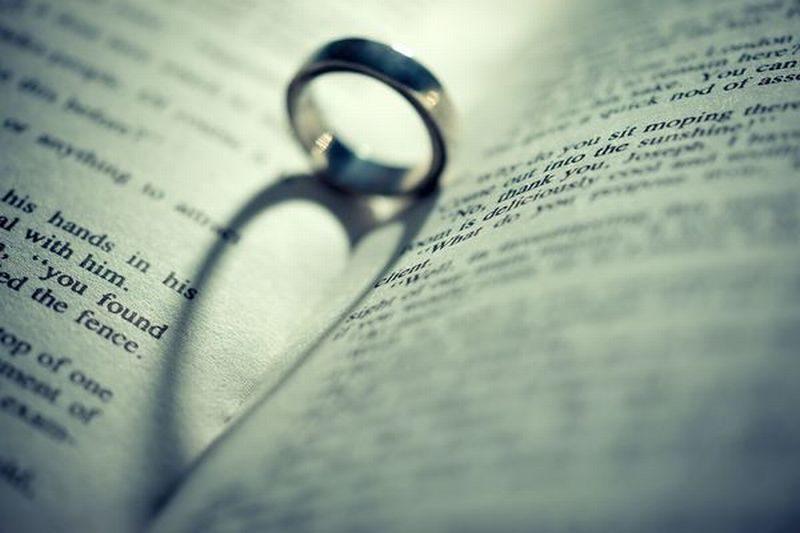 年末年始に芸能人の結婚離婚が多いのはなぜ?その理由は?
