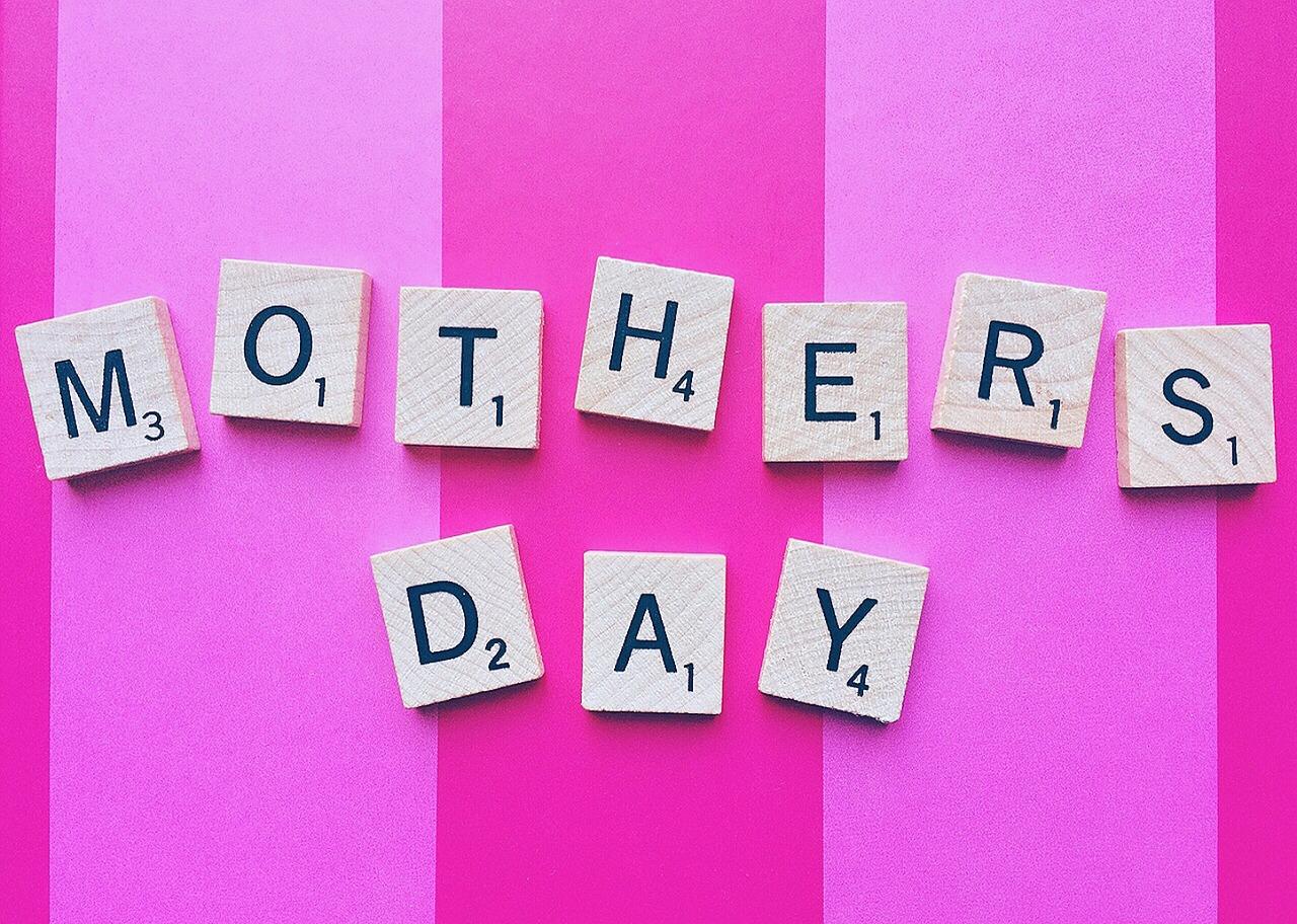 母の日に花以外のプレゼントをするなら何がいい?