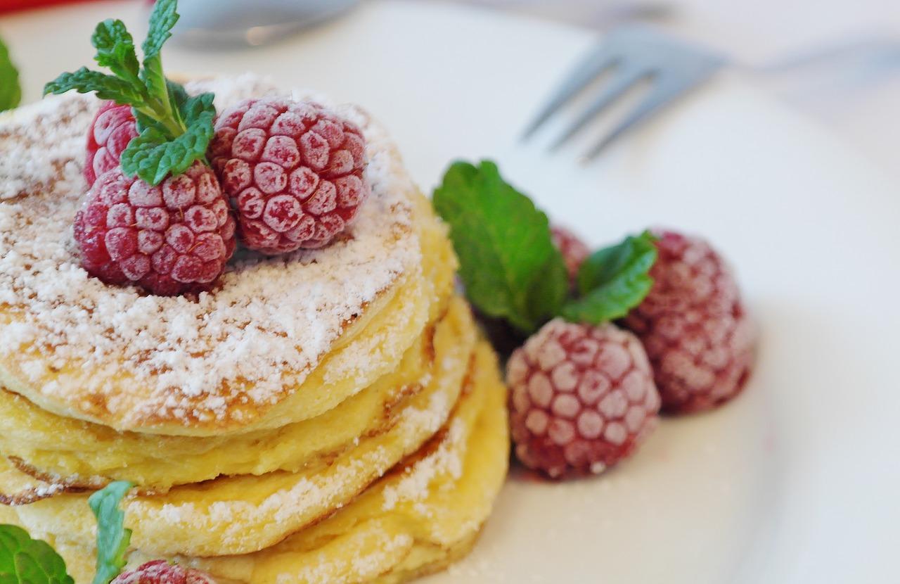 パンケーキとホットケーキの違いって何?大きな差はあるの?